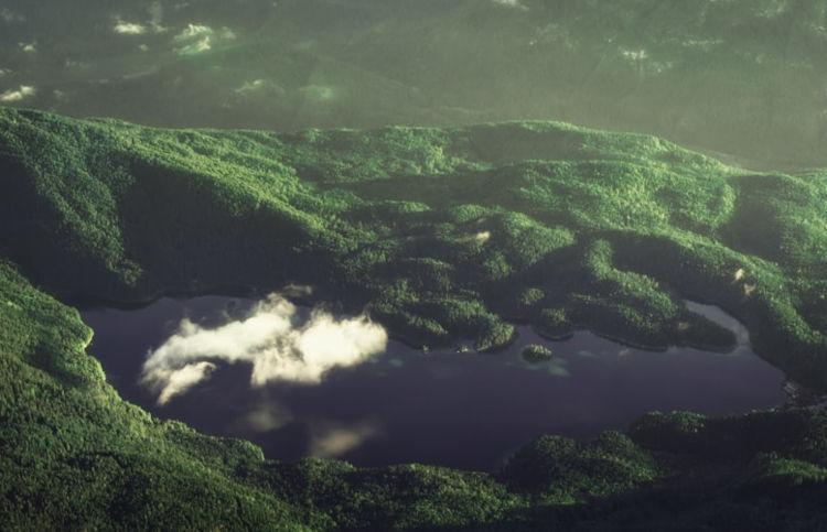 Luftblick auf den Eibsee, Bayern in Deutschland