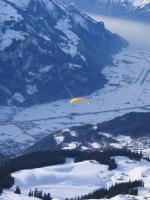 Paragliding Fluggebiet Europa » Schweiz » Bern,Planplatten,Gleitflug nach Meiringen von der Planplatte im Winter