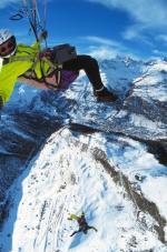 """Paragliding Fluggebiet Europa » Schweiz » Wallis,Riffelberg,""""Base Jump"""" vom GS aus  mit freundlicher Genehmigung ©www.azoom.ch"""
