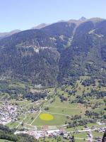 Paragliding Fluggebiet ,,LZ Montaigner (Kirche)- knapp 15min zu Fuss zur Talstation und Parkplatz in la Chable