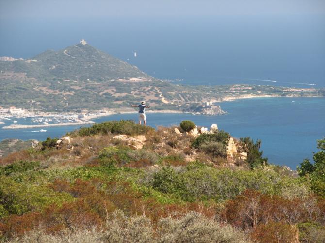 Beim Startplatz. Sicht Richtung Hafen von Villasimius