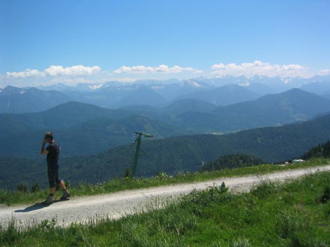Und der Blick direkt in die Berge.