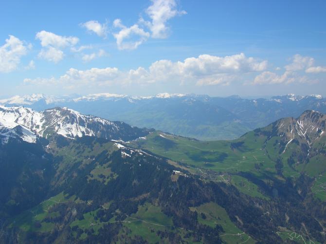 Luftaufnahme Arvigrat. Ganz rechts: Stanserhorn.