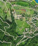 Paragliding Fluggebiet ,,Der Haupt-Landeplatz in Oberwil ist in der logischen Flugrichtung und von weitem gut sichtbar, da direkt hinter der auffälligen Gärtnerei gelegen. Siehe eingezeichnete Landevolte!
