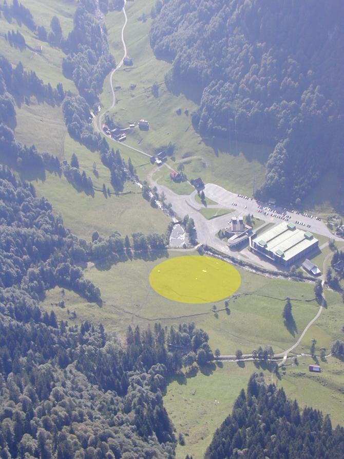 LZ unmittelbar bei der Talstation und Parkplatz