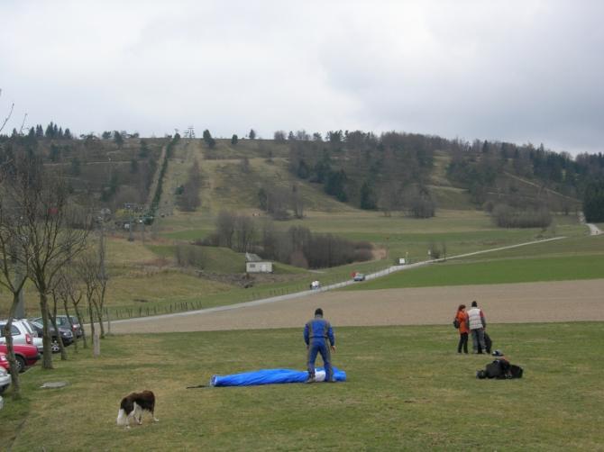 Der Berg mit dem Lift. Fotogrfiert von der Landewiese.