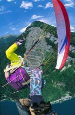 Paragliding Fluggebiet ,,Steilspirale(n) über Weesen, M.Scheel  mit freundlicher Genehmigung ©www.azoom.ch