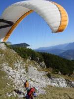 Paragliding Fluggebiet ,,Osterfelderkopf Startplatz Ost am 15.10.2006 Bei perfekten Bedingungen und einem wunderschönen Herbsttag waren einige Flüge in diesem wunderschönen Fluggebiet drin. Pilot: Mathias  By: Michi