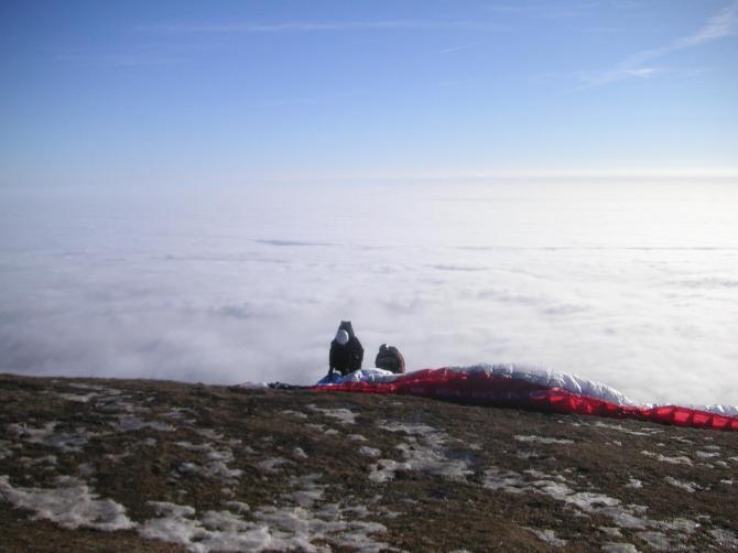 Schöckl Süd-Oststart am 28.12.2007...der Bodennabel reichte bis knapp an den Landeplatz.