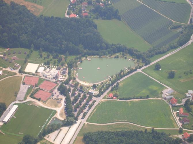 Anflug auf die Freizeitanlage  Kumberg; 8 km s/o vom Schöckl
