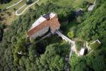 Paragliding Fluggebiet Europa » Österreich » Oberösterreich,Burg Altpernstein - Hirschwaldstein,Die Burg Alt-Pernstein mit neuem Dach, rechts im Bild der Startplatz