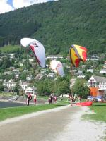 Paragliding Fluggebiet Europa » Norwegen,Hanguren,Groundhandling am Landeplatz Minigolfen