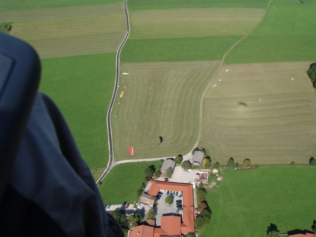 Alter Landeplatz, September 2007 - der neue Landeplatz liegt rechts oben ausserhalb des Bildes
