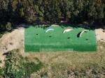 Paragliding Fluggebiet Australien / Ozeanien » Australien » Victoria,Mount Emu,Startplatz - Professionell verlegter Tennisplatz schont die Schirme.