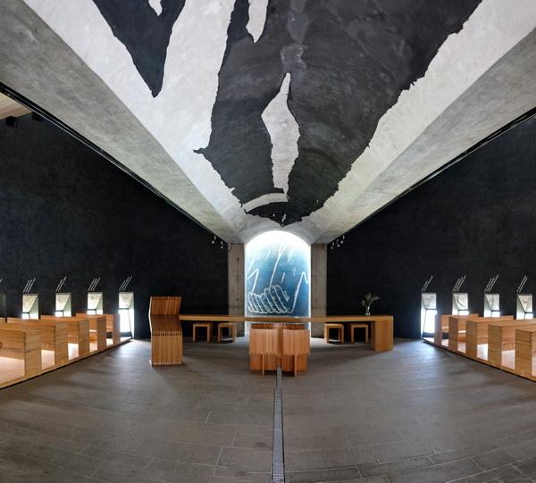 absolut sehenswert: die Kirche von Mario Botta: Innenansicht