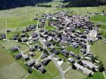 Paragliding Fluggebiet Europa » Österreich » Osttirol,Stalpen,Obertilliach im Landeanflug, im linken oberen Bildteil befindet sich der Landeplatz. Blickrichtung West.
