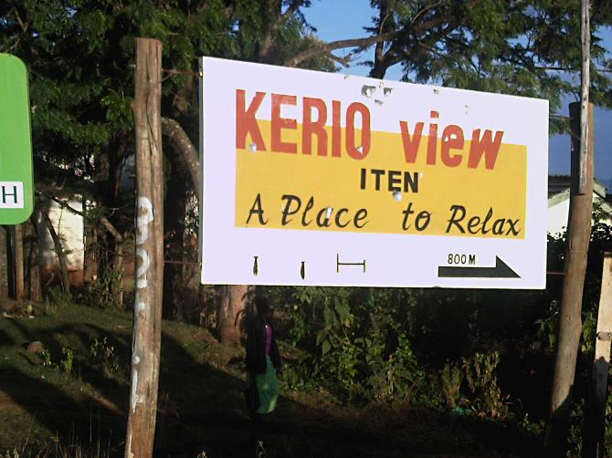 in 800 m you will be there!! Kerio View in Kerio Valley near Eldoret / Kenya fly-kenya.com