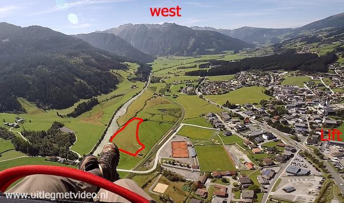Landeplatz Wildkogel aus östlicher Richtung gesehen. Zu Fuss braucht es 10 Minuten zum Lift (rechts).