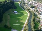 Paragliding Fluggebiet Europa » Österreich » Tirol,Niederau Markbachjoch,Landeplatz gegenüber der Stasse, Bahnlinie und Bach. Fußweg ca. 10min vom Ladeplatz