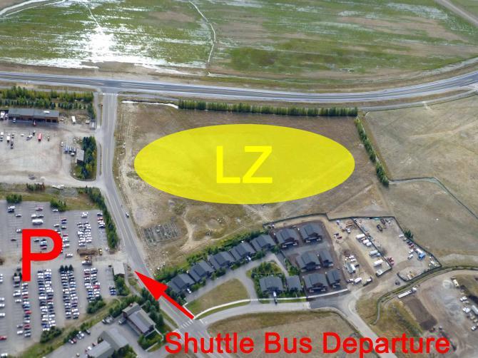 neuer LP -Detail; der (Gratis-)Shuttle fährt ca alle 12min direkt vor den Eingang des 'Trams'
