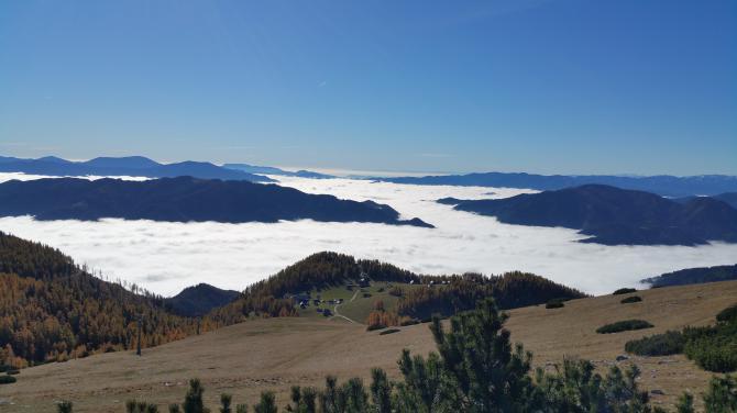 Aflenzer Bürgeralm Blick Richtung Kapfenberg / Rennfeld ins Nebelmeer