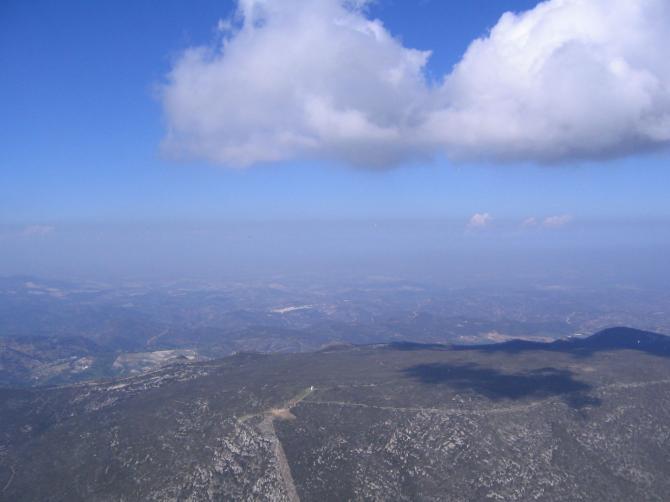 Der Hausberg mit einer Super Cumuli und Steigwerten die Ihr mir sowieso nicht glaubt! Siggi Februar2006