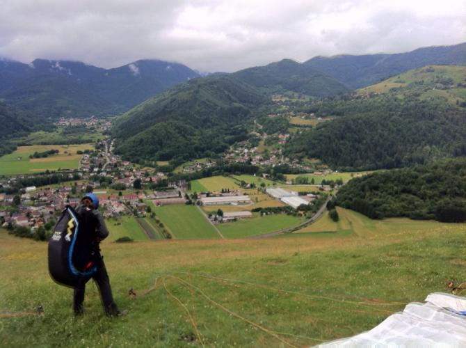 Startplatz Sibach mit Blick auf Landeplatz Fellering. Juli 2012