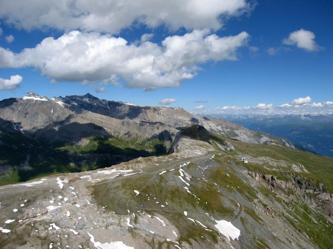 Der Cassonsgrat mit Bergstation. Aug 2007.