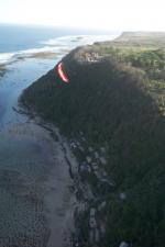 Paragliding Fluggebiet Asien » Indonesien,Gunung Payung - Timbis,rechts hinter mir der Tempel, bitte nicht direkt darueber fliegen!