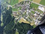 Paragliding Fluggebiet Europa » Österreich » Steiermark,Hauser Kaibling,Im Hintergrund der Landeplatz, die rechteckige Wiese