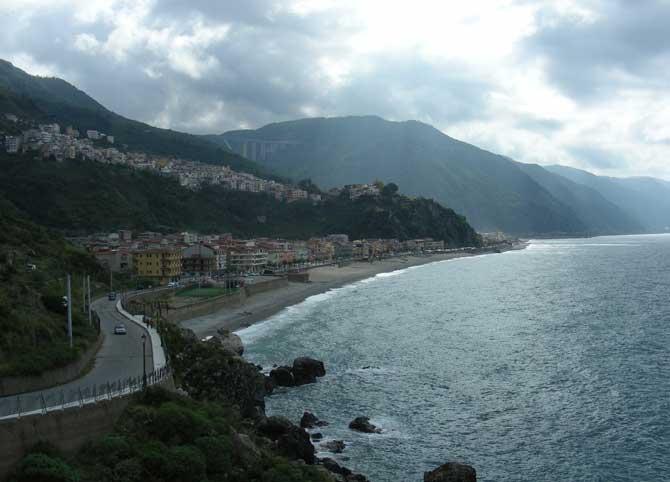 Bagnara Calabro (Okt.2009) Blick nach Süden.