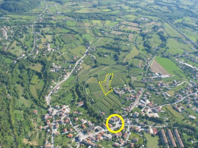 Der Landeplatz in Gemona ist gestrichelt eingezeichnet. Der Fliegertreff ist gelb eingeringelt.