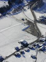 Paragliding Fluggebiet Europa » Österreich » Vorarlberg,Diedamskopf,Landeplatz im Winter -unmittelbar bei Bahn und Parkplatz