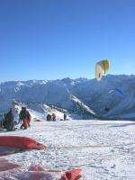 Paragliding Fluggebiet Europa » Österreich » Vorarlberg,Diedamskopf,Startplatz nach Süden: Auch im Winter immer gut gepflegt !!