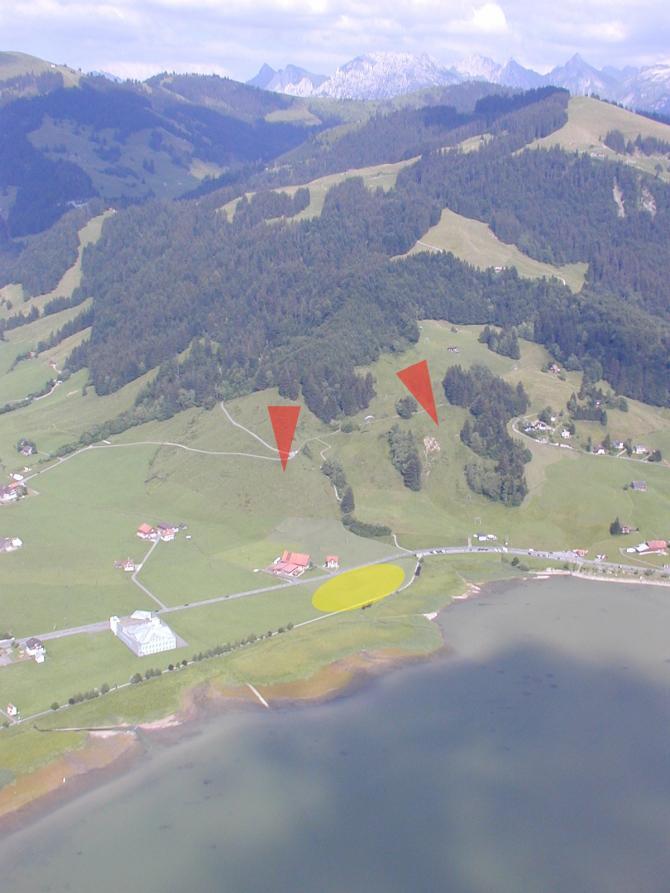 Start -und Landeplätze; die Starts sind bequem zu Fuss erreichbar (P -am rt Bildrand)
