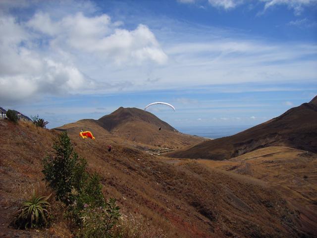 rund um den Aussichtspunkt Portela kann beliebig gestartet werden, Richtung Inselende im Osten entlang des Hafens von Porto Santo über die Kartbahn und immer weiter