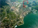 Paragliding Fluggebiet ,,Offizieller Landeplatz unweit von Villeneuve (Rennaz) mit Landevolte. Danke an den Flugneuling Barbara für ihren Schnappschuss aus der Luft.