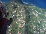 Paragliding Fluggebiet Europa » Portugal » Madeira,Paul da Serra,1000m über dem Meeresspiegel, 600m über dem Madeira Paragliding Camp, Thermik satt trotz grüner Insel