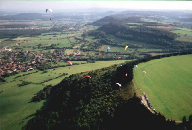 Site du Etchenberg, à 5 minutes de l'école et club MosAiles parapente paramoteur et kite