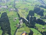 Paragliding Fluggebiet Europa » Österreich » Tirol,Spieljoch,Keine Angst vor der Hochspannungsleitung; geht sich leicht aus!!