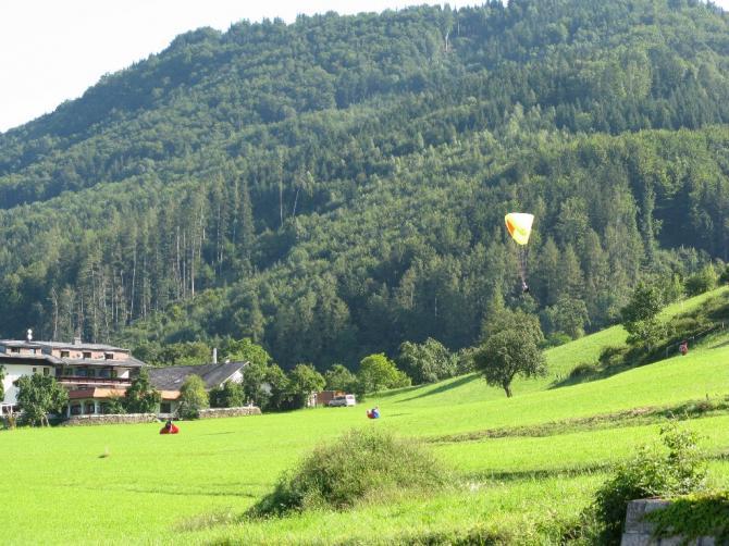 Übungshang und Landeplatz beim Hotel Bramosen