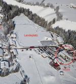 Paragliding Fluggebiet ,,Landeplatz am Flying Mozart (Wagrain). Windsack befindet sich auf einem der Flutlichter (rechts vorne). Bei viel Wind könnte es durch die Bäume / Häuser die den LP umgeben Leeturbulenzen geben. Ggf LP Wagrain ansteuern.