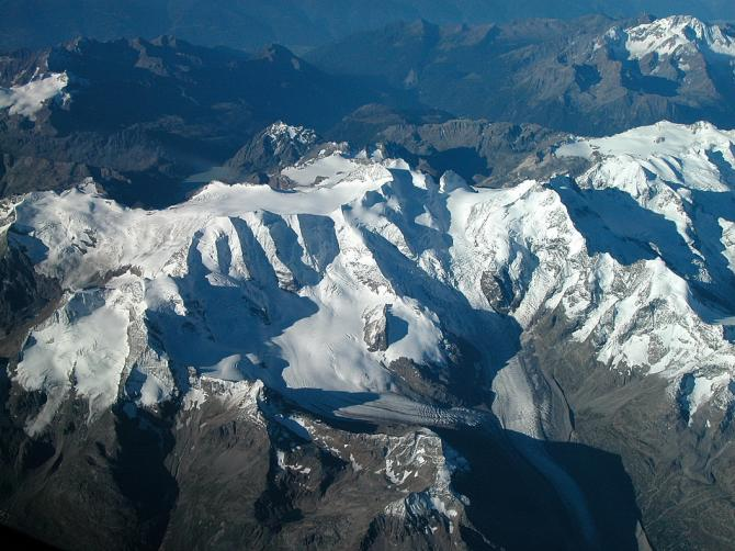 Das ganze Bernina Massiv: Palü (mit den 3 Pfeilern), Bellavista; Bernina mit Bianco Grat