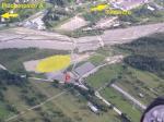 Paragliding Fluggebiet Europa » Italien » Friaul-Julisch Venetien,Cercivento,grosszügiger Landplatz in Cercivento beim Sportplatz. Achtung: der Talwind ist hier definitiv ein Thema!