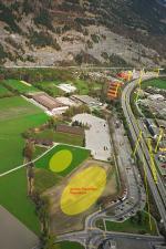"""Paragliding Fluggebiet Europa » Schweiz » Graubünden,Chur Brambrüesch-Dreibündenstein,Chur - """"Obere Au"""" mit Bushaltestelle/ Parkplatz/ Hochspannung"""