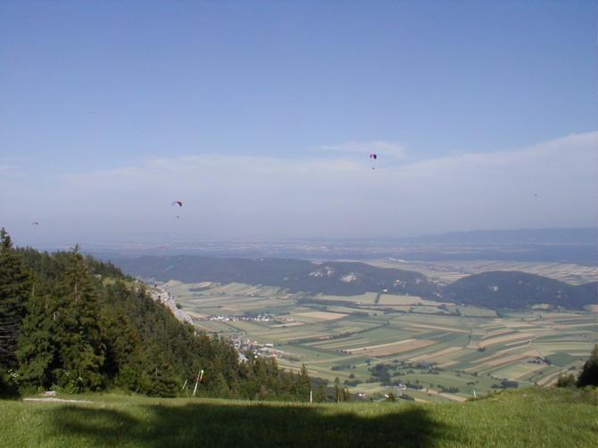 Ein Flugberg für alle Piloten: Vom Einsteiger, Genussflieger, Thermikfreak oder XC-Crack. Strecken ins Flachland oder in die Berge. Ruhige Abendthermik bis Hammerbärte.
