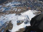 """Paragliding Fluggebiet Europa » Österreich » Tirol,Schönjoch,Der Landeplatz ist im Winter so gestaltet. In der Mittelstation zwischen Fiss und Ladis haben sie ein Restaurant erbaut und der Landeplatz ist links oben von """"Bertas Kinderland"""". Also grad drüber von der runden roten Hütte die einzeln im grossen Schneefeld steht."""
