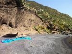 Paragliding Fluggebiet Europa » Italien » Sizilien,Isola di Salina,Landung am Strand von Rinella - kann, je nach Windverhältnissen, anspruchsvoll sein! Der Strand wurde vergrössert. Statt Sand ist es nun Kies.