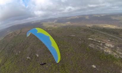 SP Tacima hier Donizete Lemos   Bra-HG Piloten haben im Vorfeld ab hier grosse Distanzen erflogen, hier 478km 5.11.2014  Bild: xcmag.com/Tacima/2014