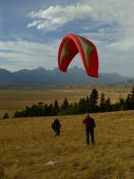 Paragliding Fluggebiet Nordamerika » USA » Wyoming,Curtis Canyon,Blick zum Gd.Teton (unter Schirmmitte)